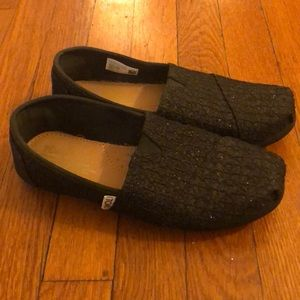 TOMS Black Glitter slip on shoes. Size Youth 5